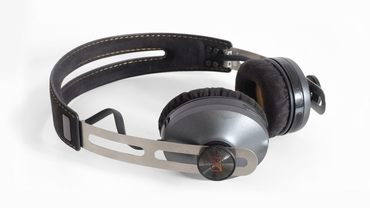 Momentum-2.0-On-Ear-Wireless