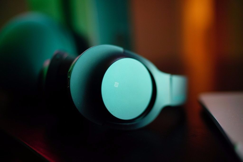 Sony-MDR-100ABN-test